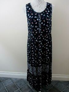 M-amp-S-collection-Bnwt-size-12-maxi-dress-navy-with-small-red-white-floral-pretty