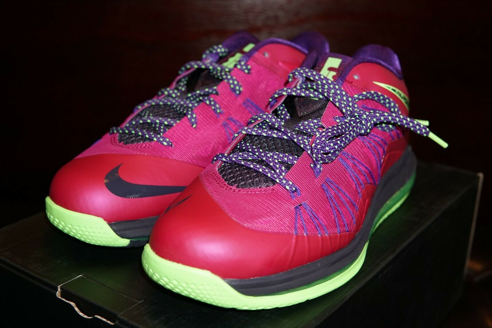 Nike Air Max Lebron X Low Size 10.5 Rasberry Red Green Mamba New in box
