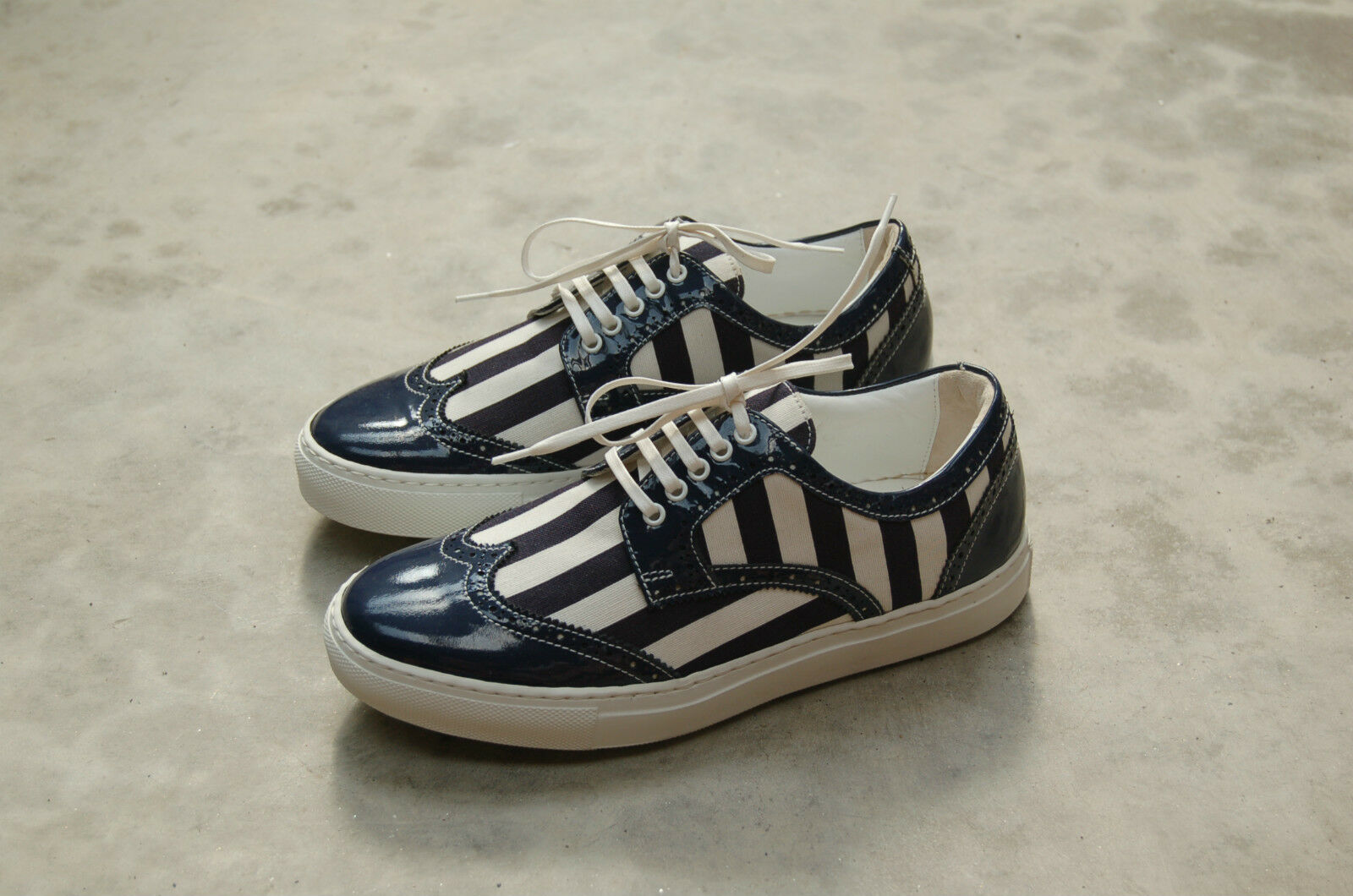WOMAN - DONNA - SNEAKER - BLU/WHITE PATENT LTH.+ FABRIC - BLU/WHITE - - STITCHED RUBBER SOLE 093266