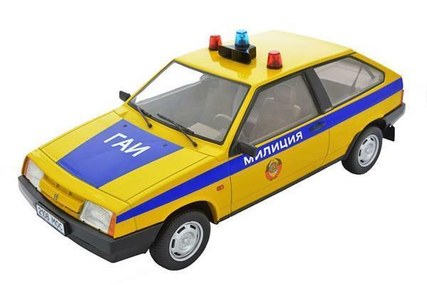 a prezzi accessibili Premium Scale modellos modellos modellos Lada 2108 Samara 1985 Polizei 1 18 DC18003T  tempo libero