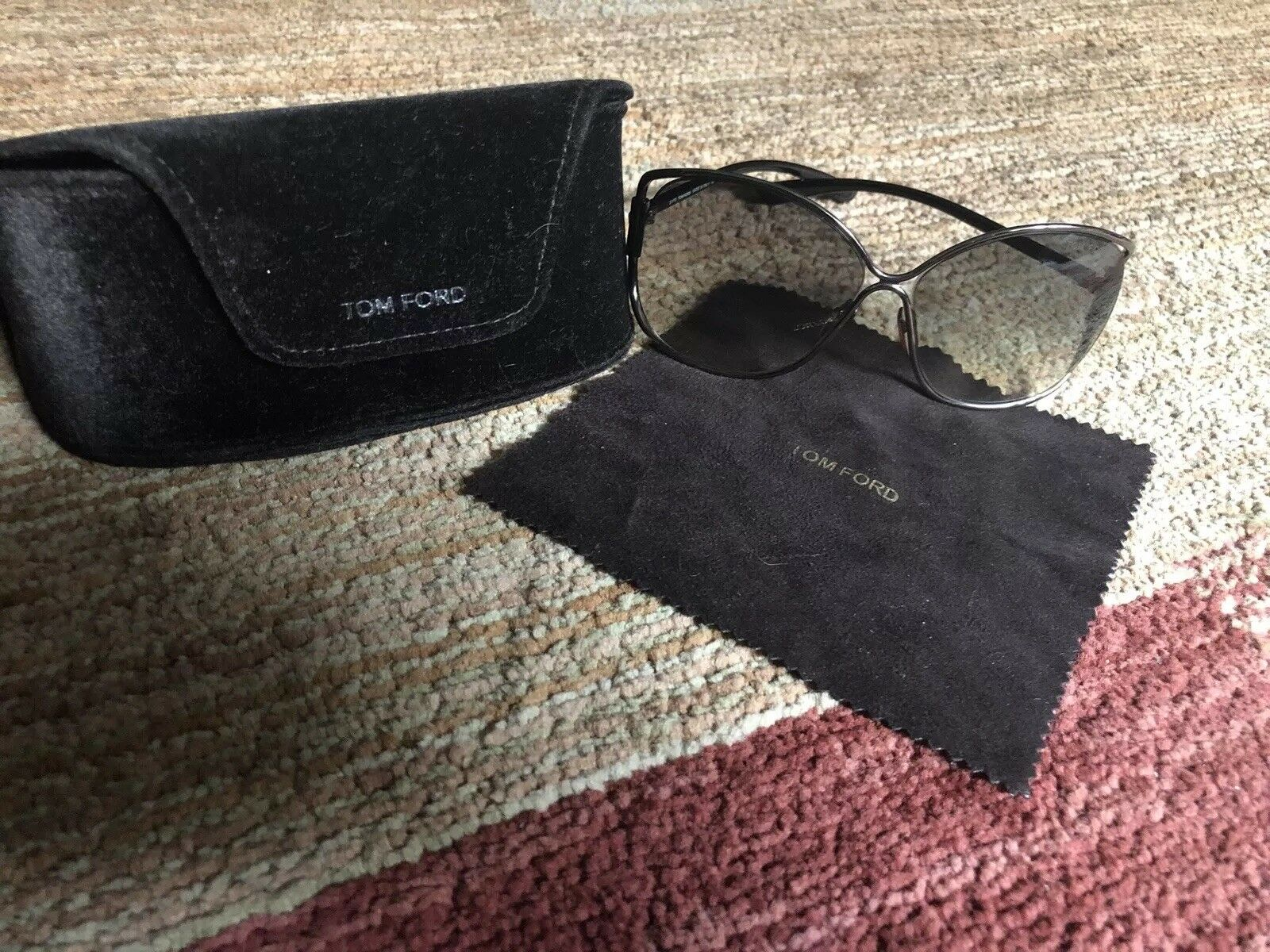 100% Authentic TOM FORD Emmeline Sunglasses with case