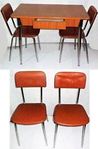 Tavoli E Sedie Vintage.Tavolo In Legno Con Gambe In Metallo 2 Sedie Vintage Ebay