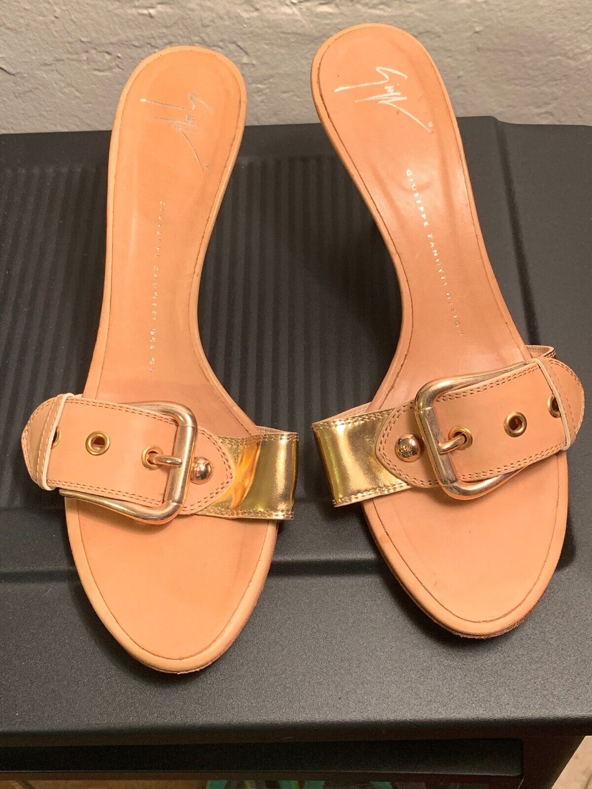 Guiseppe zanotti Tan & gold Leather Buckle Mules Slides Sandals EU Sz 40 US Sz 9