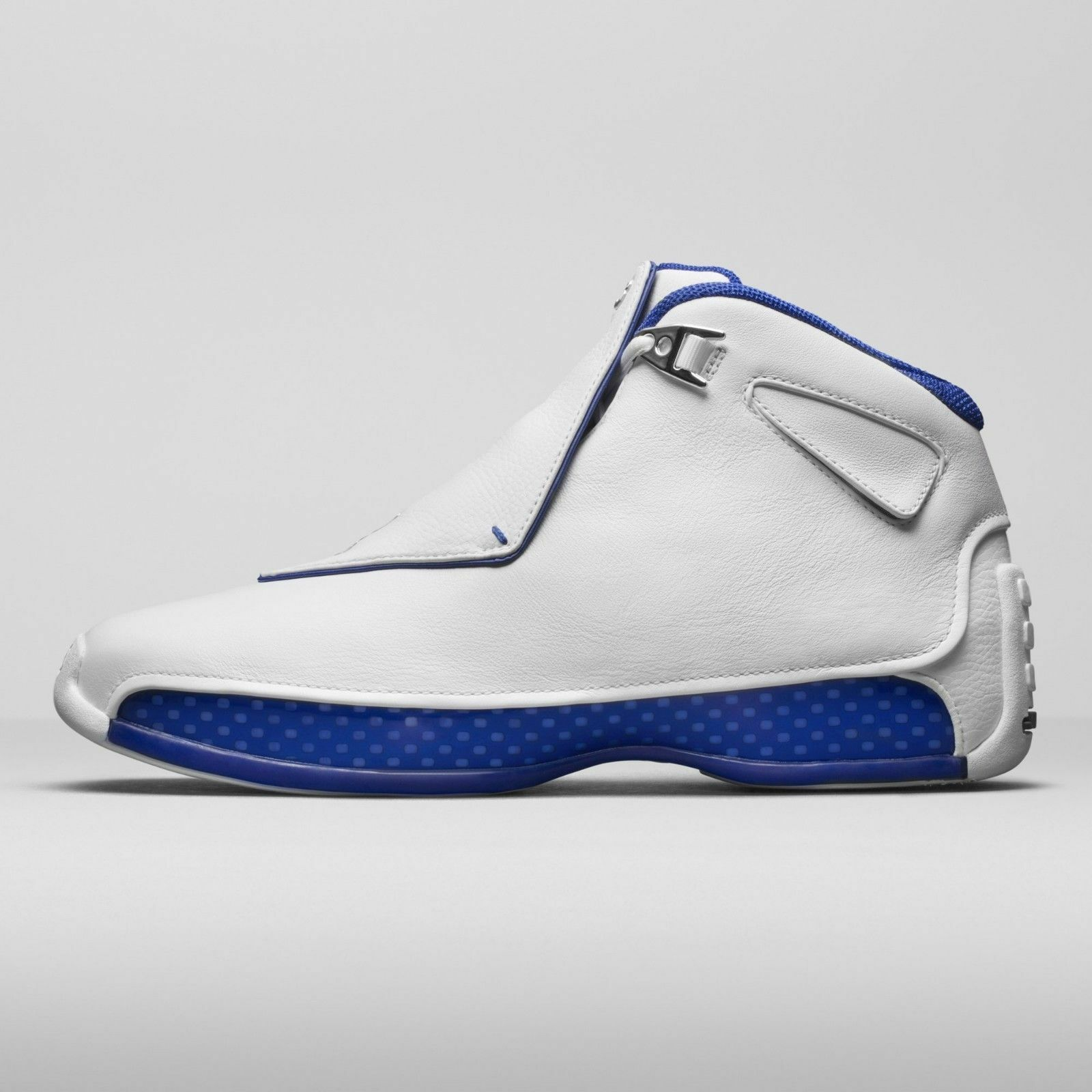 2018 Nike Air Jordan 18 XVIII Retro White Royal Blue Size 9. AA2494-106