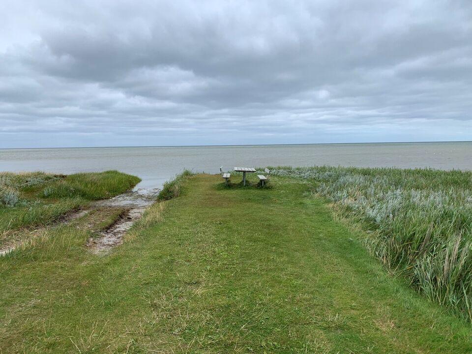 Sommerhusgrund tæt ved vandet på Norddjursland