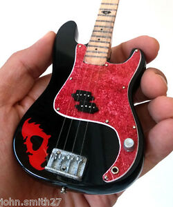 Miniature-Guitar-Fall-Out-Boy-Pete-Wents-Black-FOB-Bass-Signature-Free-Shipping