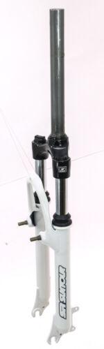 "SR Suntour 1-1//8/"" 26/"" Threadless MTB Bike Suspension Fork QR 80mm Rim Disc NEW"