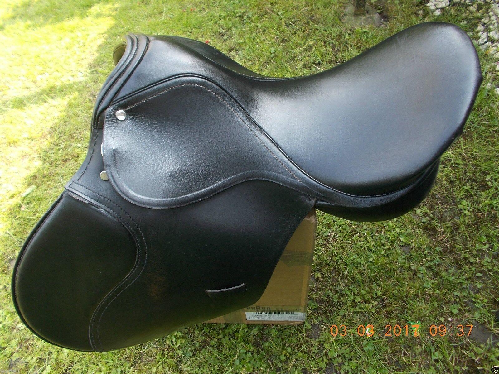 Dressursattel VIELLSEITIG (VSD) 17,5   44cm,Mittlere Kammer,black, Zustand gut