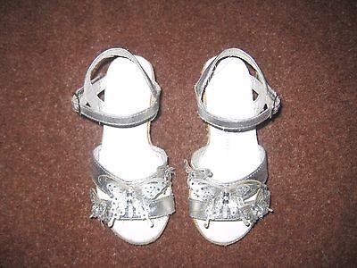Sandalias De Niñas De Plata Tamaño 10 M & S