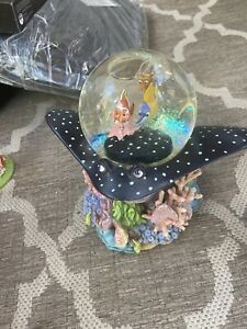 Finding Nemo Musical Snow Globe Plays 'Over The Waves' Disney Rare Coral Reef