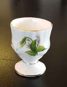 Royal-Albert-TRILLIUM-Egg-Cup