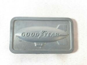 Vintage-Good-Year-Blimp-Belt-Buckle-1974-SMG