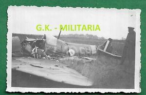 Foto-RAD-abgesch-engl-Spitfire-JG-51-Jagdflugzeug-Duenkirchen-2-WK-France-7
