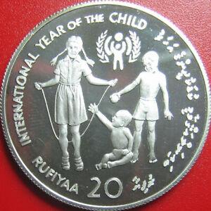 1979-MALDIVE-ISLANDS-20-RUFIYAA-84oz-SILVER-PROOF-UNICEF-CHILD-YEAR-MALDIVES