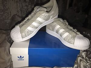 adidas originals trainers size 6