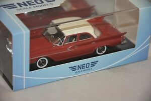NEO-46460-Chrysler-Newport-Limousine-rouge-blanc-1961-1-43