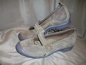 USED-WORN-WOMENS-SIZE-10-BROWN-SUEDE-LOAFERS