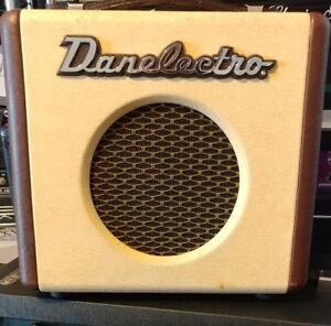 amazing danelectro dirty thirty guitar amp electric amplifier separate gain ebay. Black Bedroom Furniture Sets. Home Design Ideas