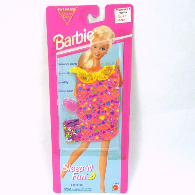 Vintage 1993 Barbie Sleep 'N Fun Fashions Pack Pink Nightgown Brush MOC NEW NRFP