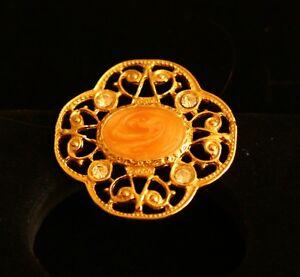 BROOCH-vintage-beautiful-brooch-with-rhinestones-gold-tone-metal
