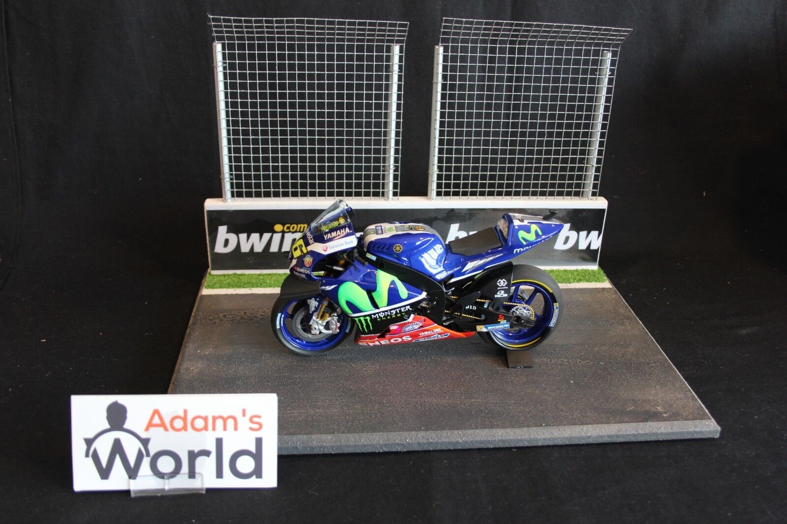 Minichamps Yamaha YZR-M1 2016 1 12  46 Valentino Rossi Free Practice Sepang