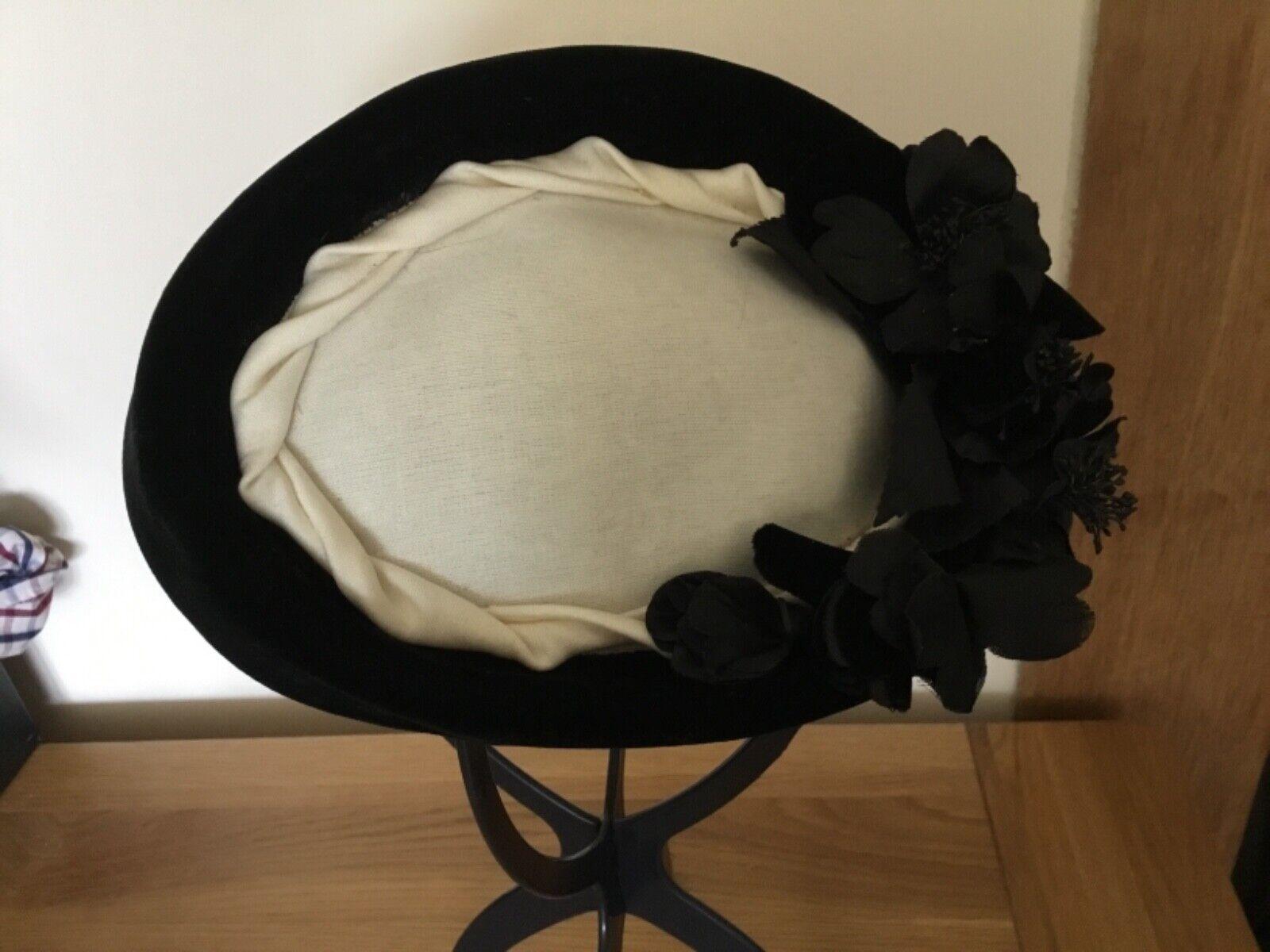 HAT STUDIO DESIGN Black & Cream Velour Pillbox Hat with Flower Trim