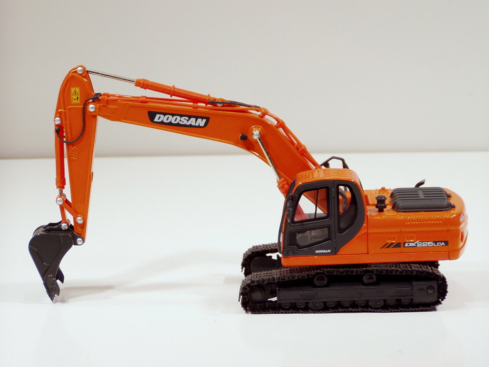 Excavadora Doosan DX225LCA - 1 40 - Nuevo