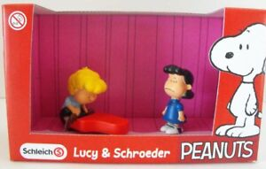 Lucy-and-Schroeder-Playing-Piano-Plastic-Figurines-in-Box-Peanuts-Figure-22055