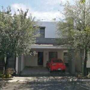 Casa en venta en colonia Cumbres San Agustín, Monterrey.