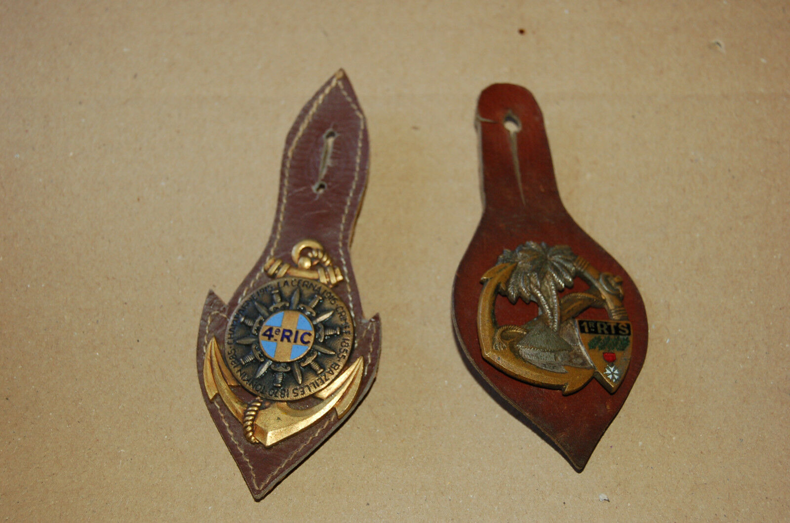 Antiguas  Medallas Militar X 2 - Ver Fotos A1  descuento online