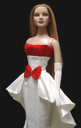 """Waterfall Doll Clothes Sewing Pattern for 22/"""" American Model Tonner"""