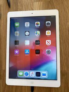 """Apple iPad Air A1474 (1ère génération) 9,7"""" 32 Go Wi-Fi - Problème De Charge"""