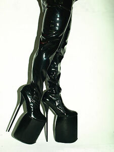 High heels rubber fetish