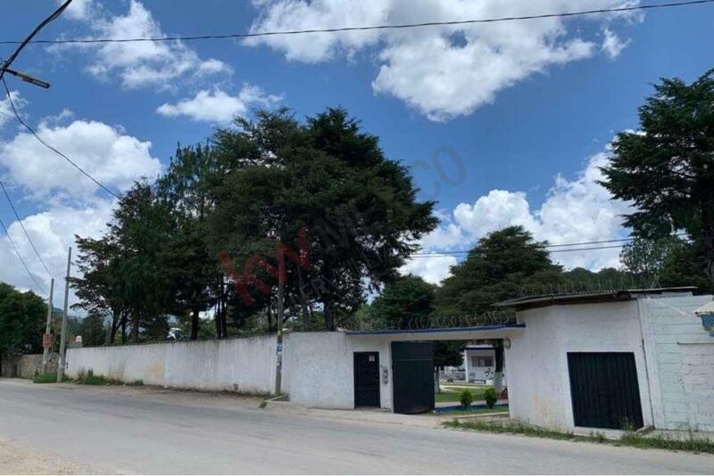Se VENDE CASA con TERRENO 4 mil m2 en Periférico Sur Poniente, San Cristóbal de las Casas, Chiapas