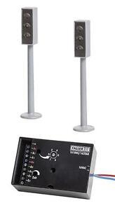 Faller-Car-System-161840-2-LED-Ampeln-mit-Elektronik-Neuware