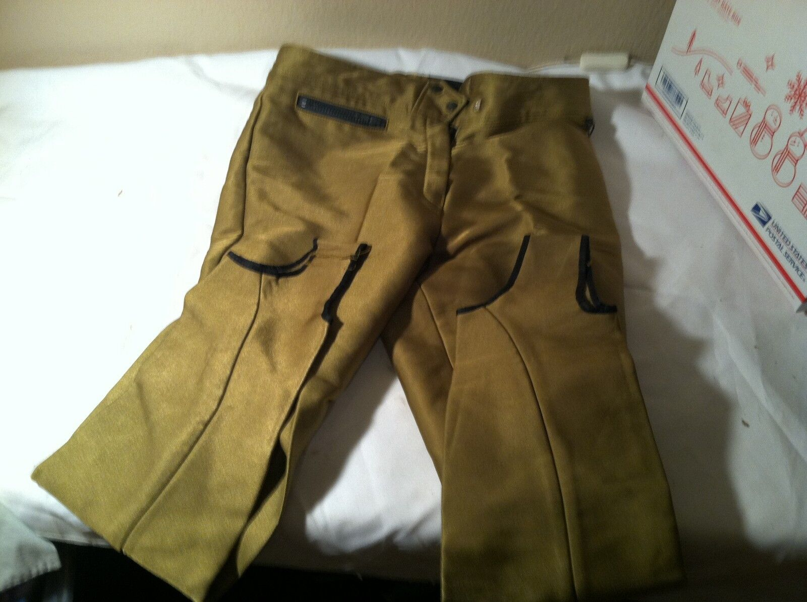 OBERMEYER Women's Ski Pants sz 12 EXC condition  gold Blingy  and sharp  fantastic quality
