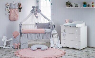Babybett mit 10-tlg Komplett-Set Bettwäsche Matratze Nestchen Herzchen Rosa Neu