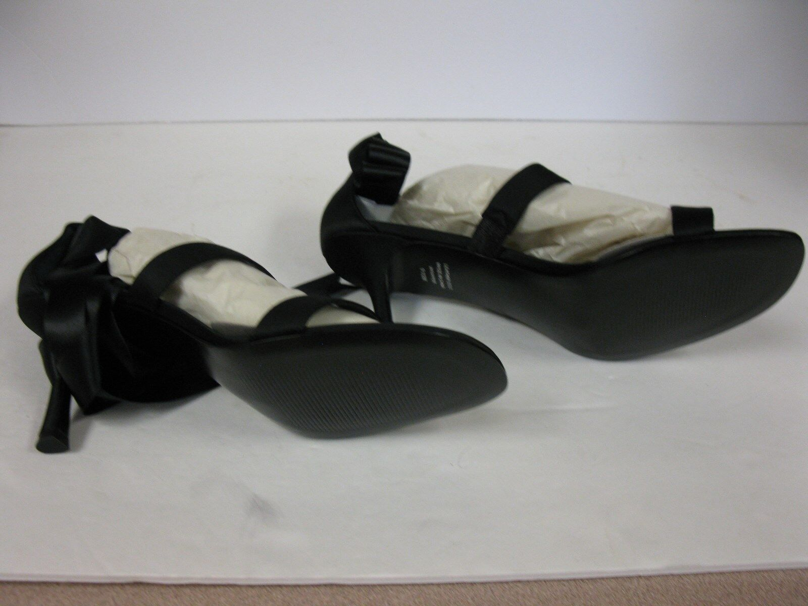 Lord And Taylor Black Satin Wrapper Heels sandals. size size size 9.5 95e3a4