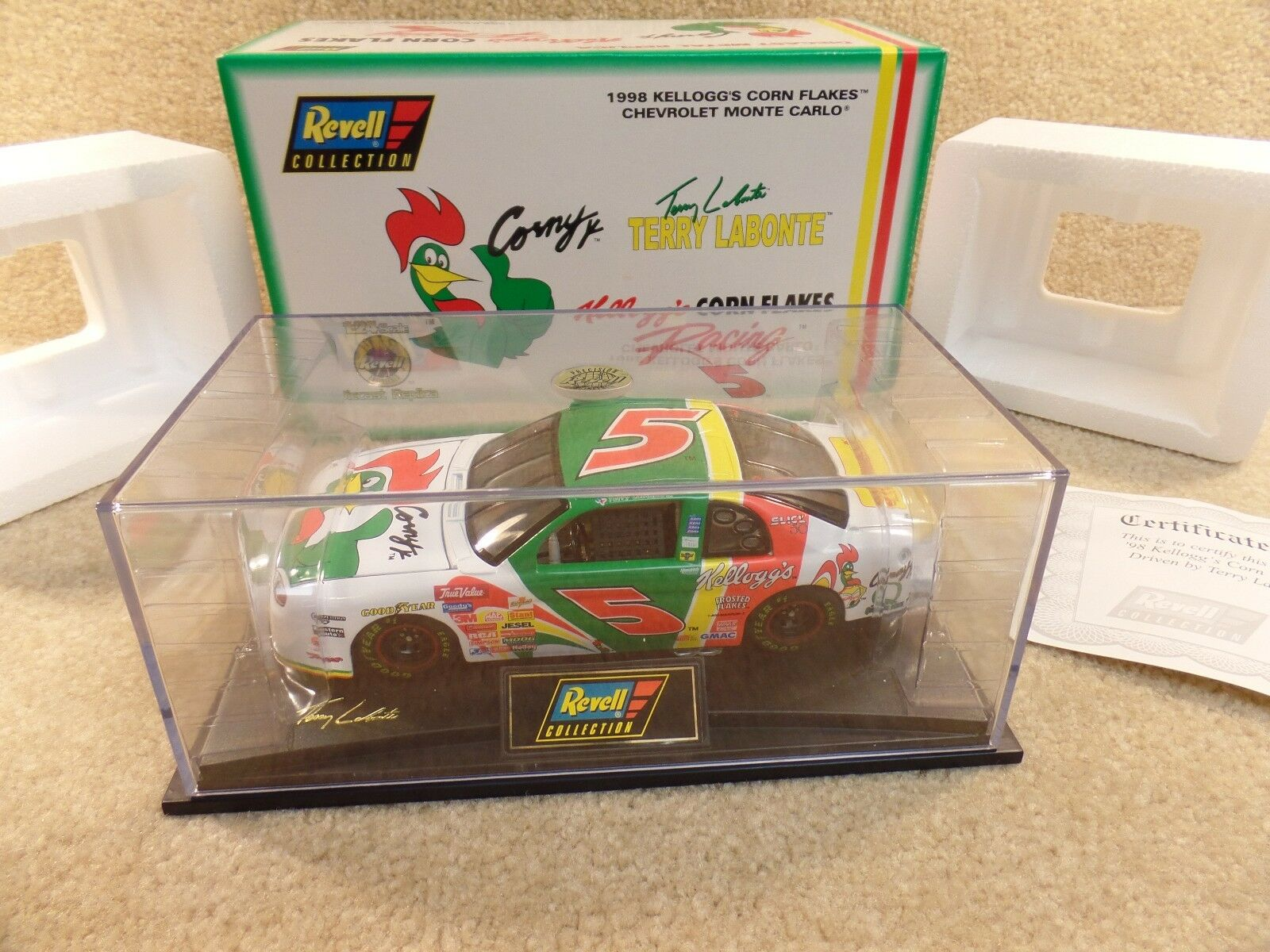 New New New 1998 Revell 1 24 Diecast NASCAR Terry Labonte Corn Flakes Corny Monte Carlo c5a2a3