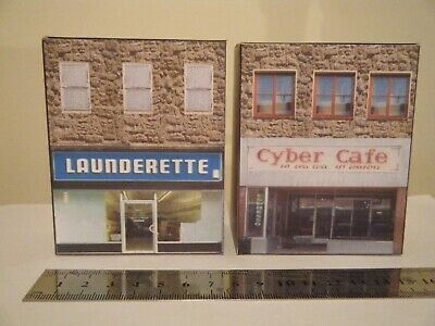 Luminosa Scratch Built Card Model Railway City Houses 00 Gauge Cafe & Launderette Buono Per L'Energia E La Milza
