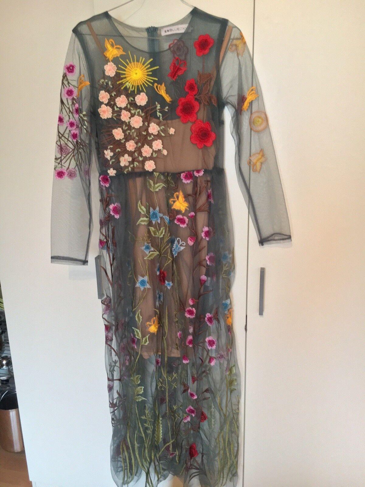 Tolles Besticktes Kleid Gr 34-36