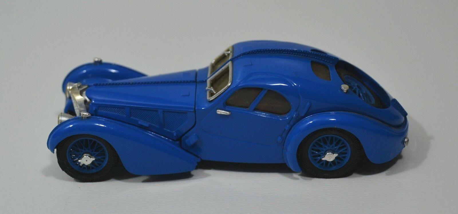 Voiture miniature  Bugatti Type 57 SC , année modèle 1938