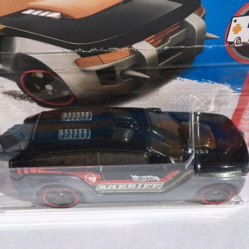 Hot Wheels HW Pursuit 2017 Treasure Hunt Car On Short Card HW Rescue