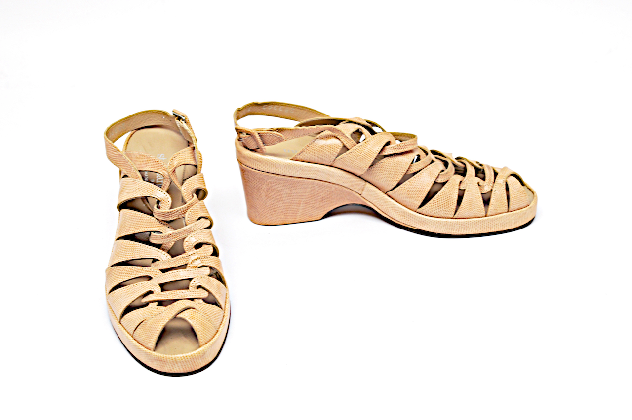 STEPHANE KELIAN Beige Embossed Leather Platform Heels Heels Heels  4.5  Removable Strap f449ac