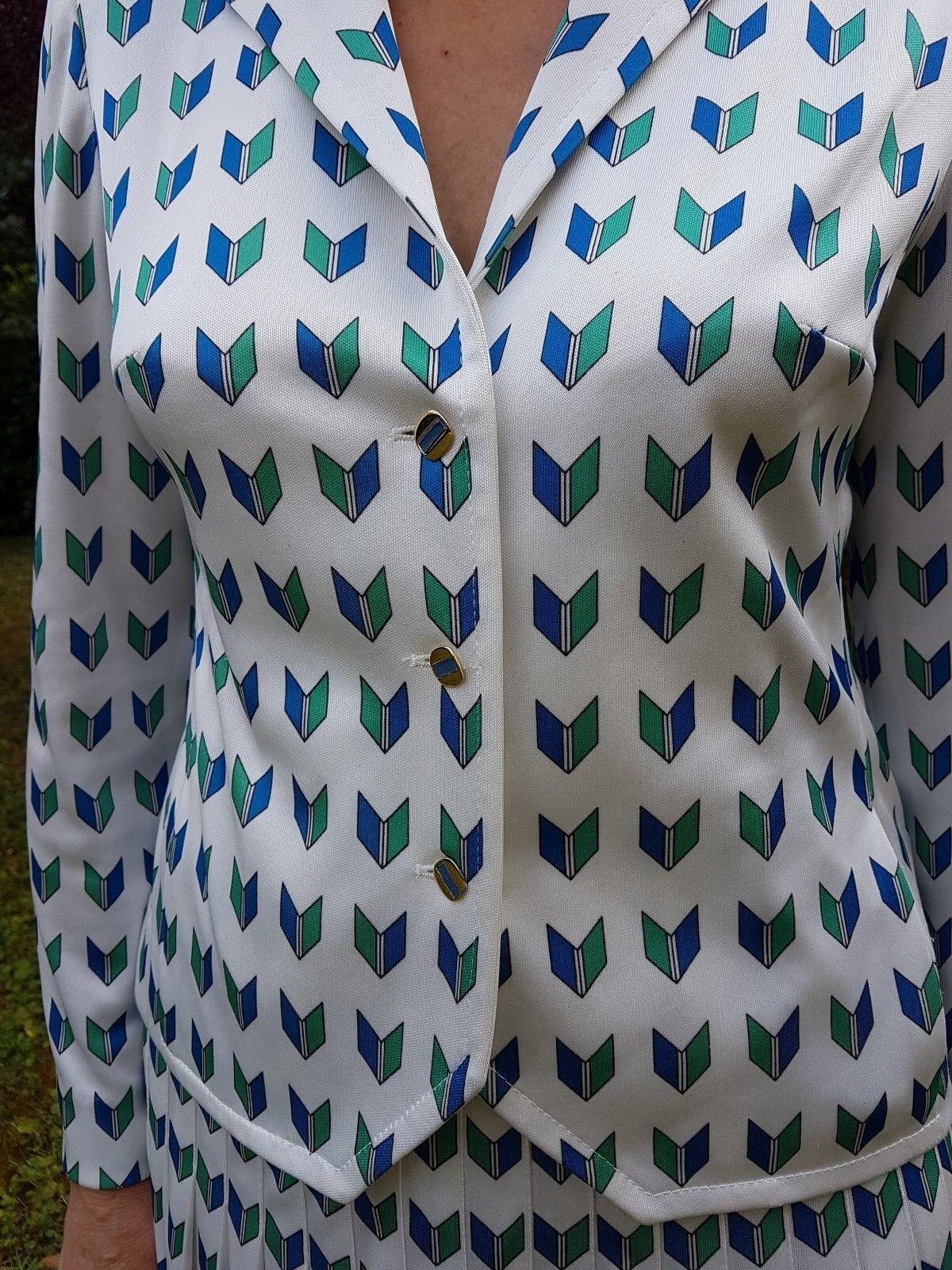Bel ensemble Donna      veste et jupe 9e9da1