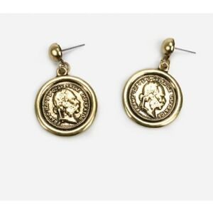Gold coin roman necklace Stories bloggers Mango