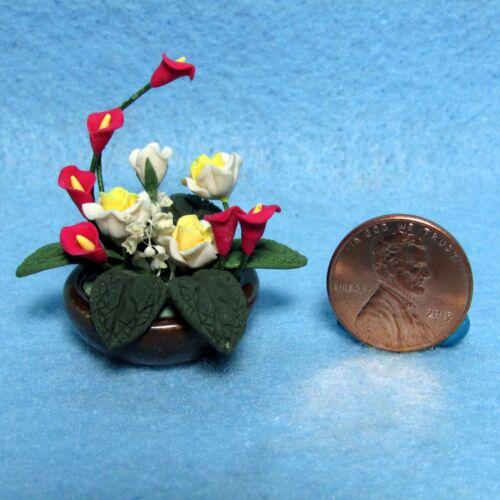 Dollhouse Miniature Centerpiece Table Top Floral Arrangement in Bowl ~ F2044A