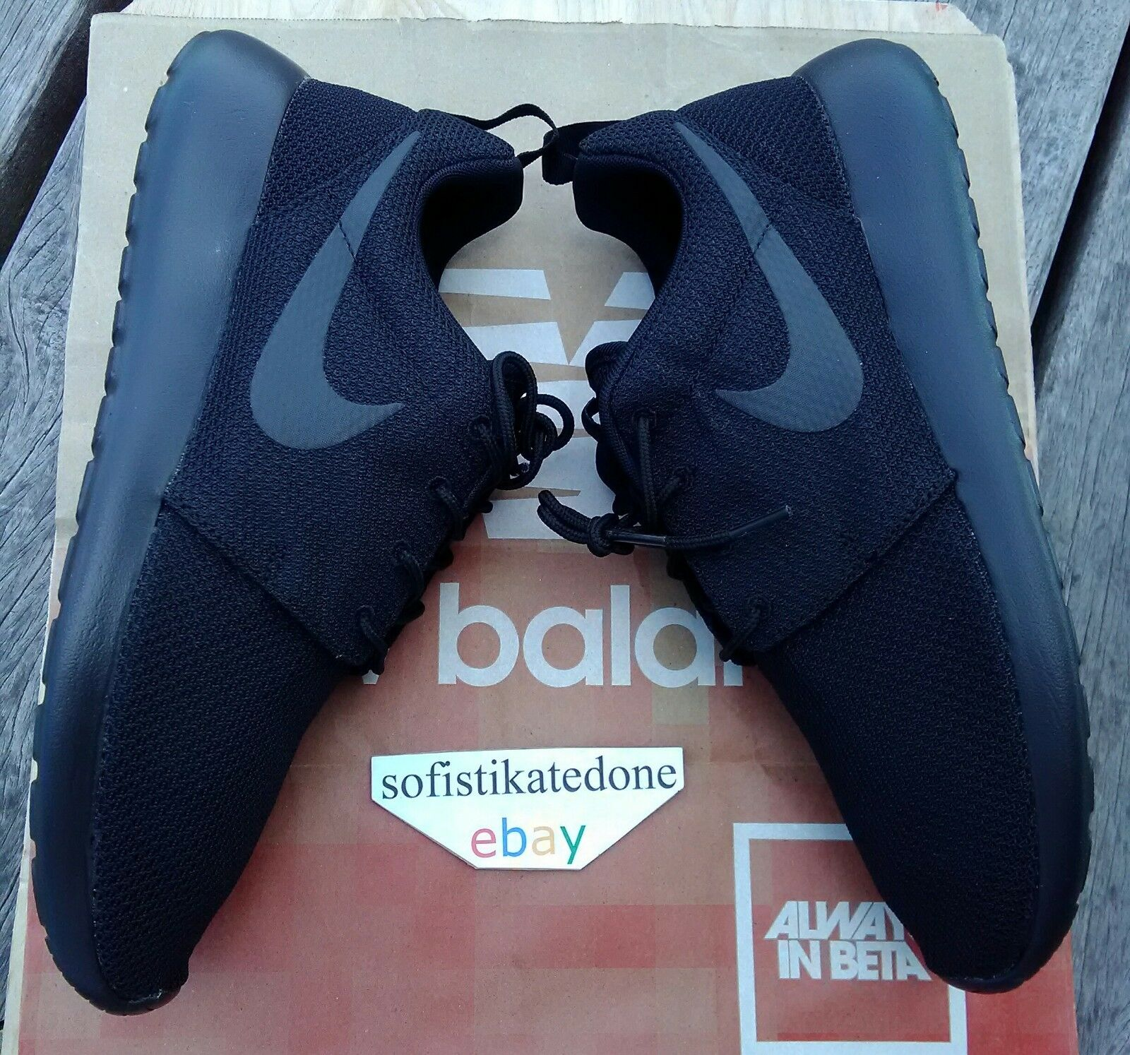 NIKE ROSHE ONE511881-026Triple BlackMens Size 11DEADSTOCKBRAND NEW IN BOX
