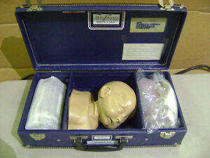 NASCO-LIFE-FORM-PEDIATRIC-INFANT-BABY-INJECTION-HEAD-MANIKIN-TRAINER-SIMULATOR
