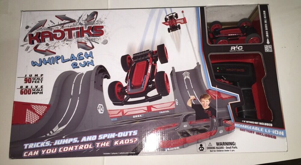 KAOTIKS Radio-Controlled Whiplash Run Playset Boxed 1 Playset/1 Vehicle/1 Remote